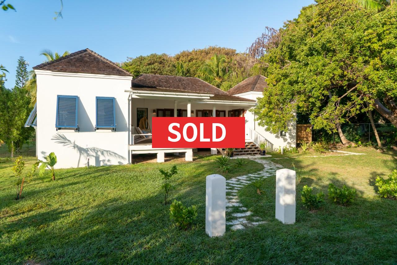 /listing-sold-blue-pearl-harbour-island-32997.html from Coldwell Banker Bahamas Real Estate