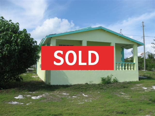 /listing-cottage-on-queens-highway-3662.html from Coldwell Banker Bahamas Real Estate