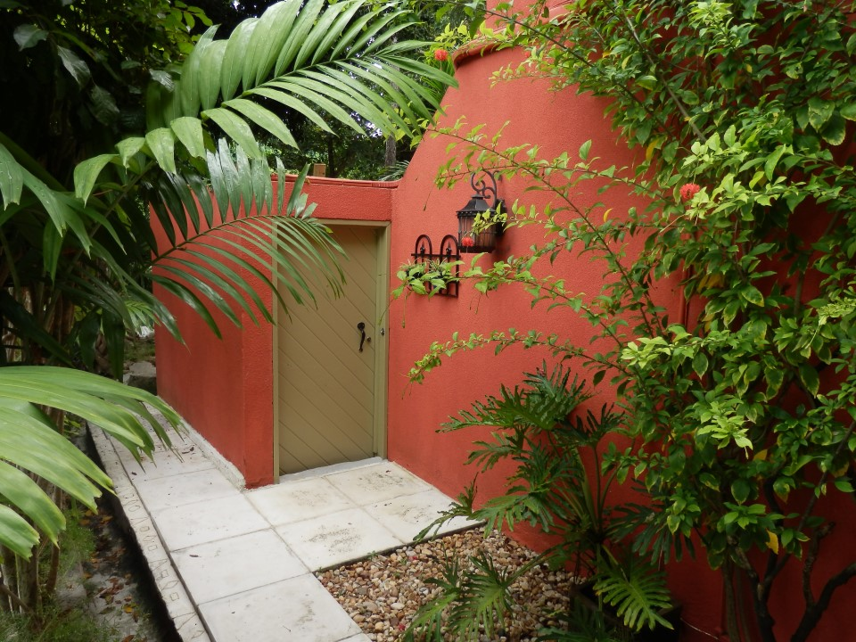 /listing-sandford-drive-10536.html from Coldwell Banker Bahamas Real Estate