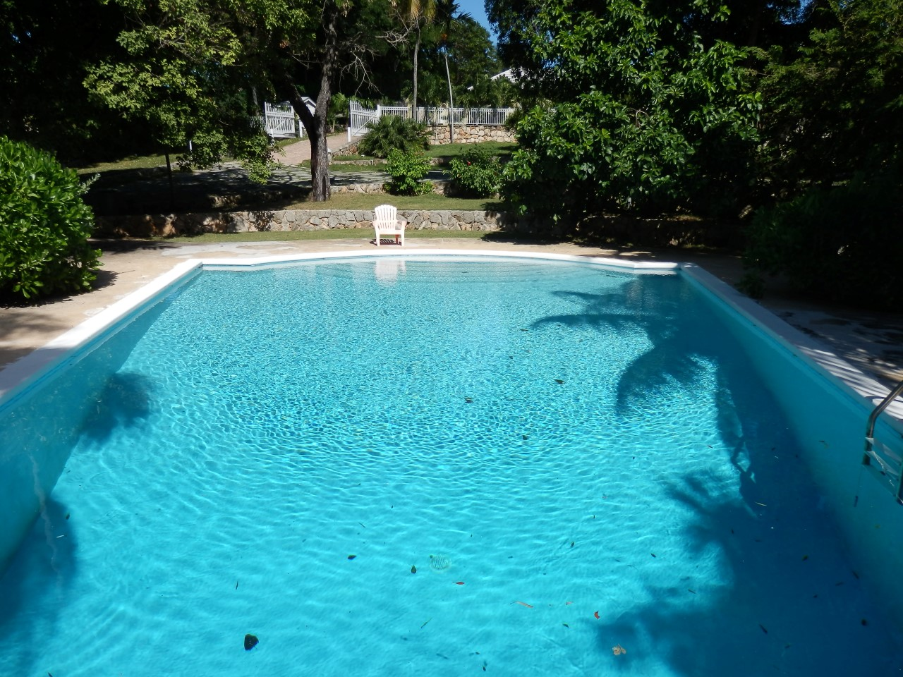 /listing-eastern-road-11012.html from Coldwell Banker Bahamas Real Estate