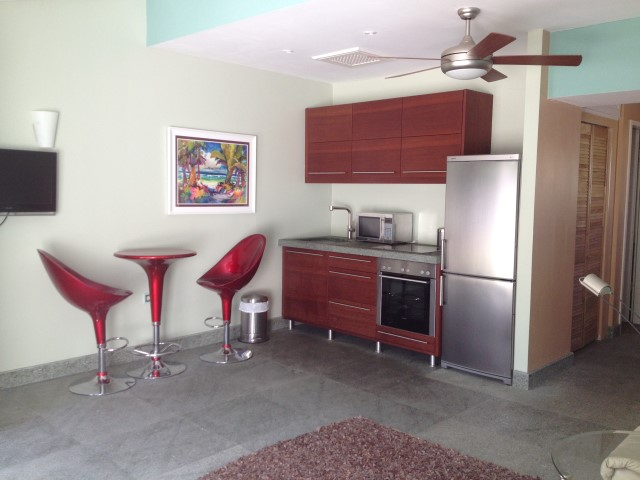 /listing-grosvenor-court-condominum-11565.html from Coldwell Banker Bahamas Real Estate