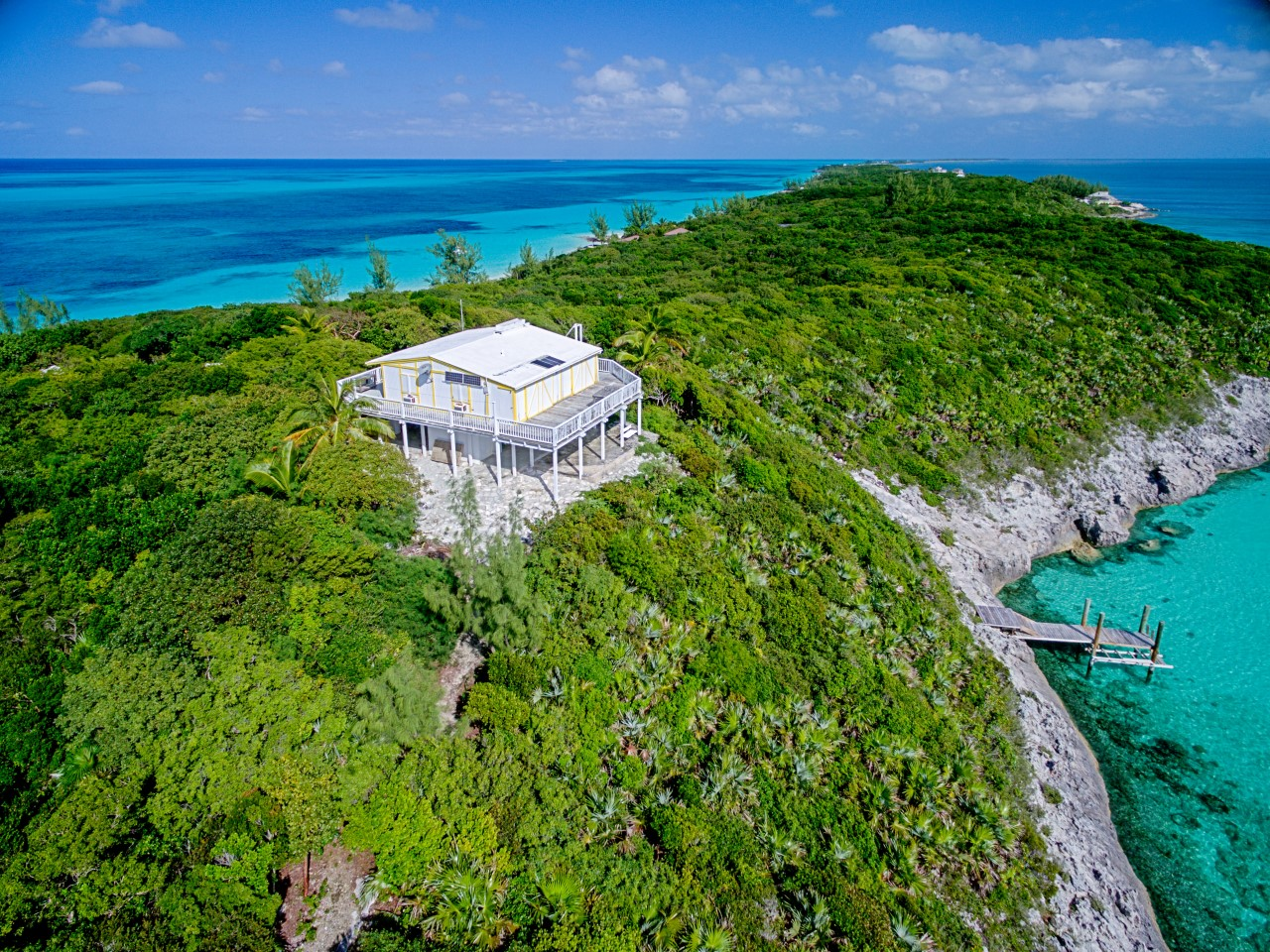 /listing-rose-island-home-for-sale-12486.html from Coldwell Banker Bahamas Real Estate