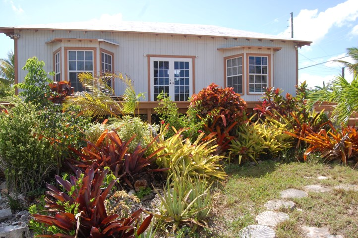 /listing-vivian-pinder-road-russell-island-12763.html from Coldwell Banker Bahamas Real Estate