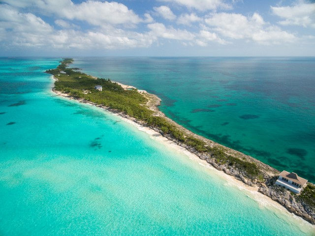 Bahamas Real Estate on Rose Island For Sale - ID 12817