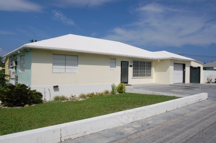 /listing-spanish-wells-home-13946.html from Coldwell Banker Bahamas Real Estate