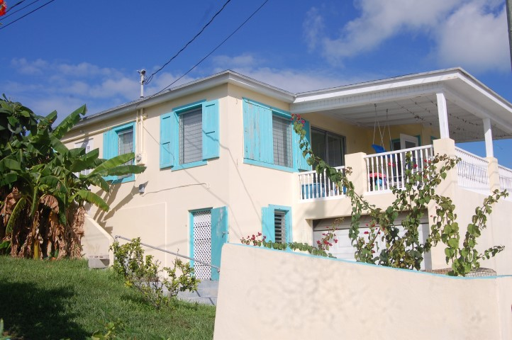 /listing-spanish-wells-house-with-dock-14419.html from Coldwell Banker Bahamas Real Estate