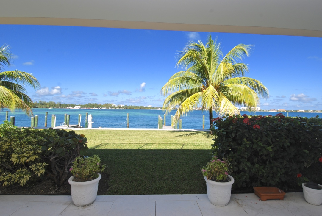 /listing-elegant-townhome-for-rent-14541.html from Coldwell Banker Bahamas Real Estate