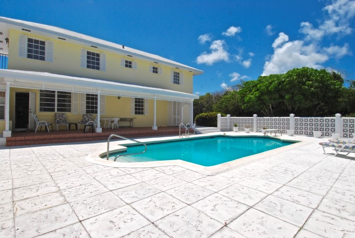 Home with Pool in Nassau, Bahamas
