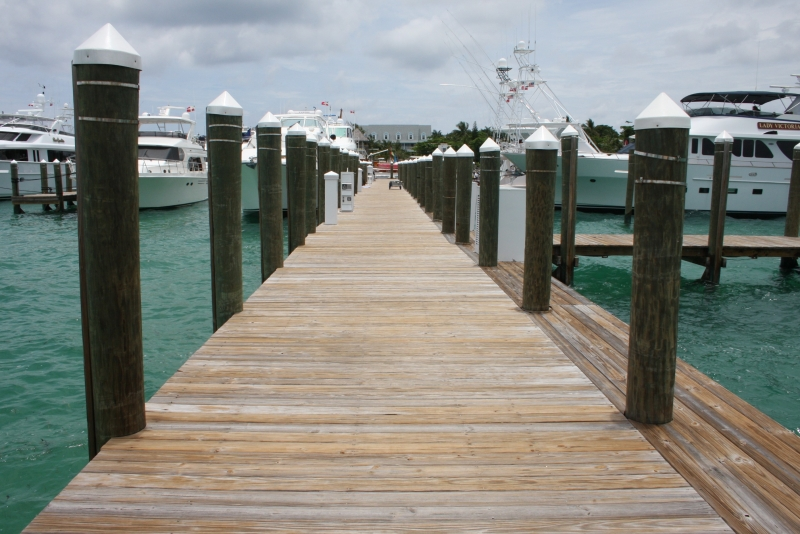 /listing-valentines-resort-dock-slip-21-1732.html from Coldwell Banker Bahamas Real Estate
