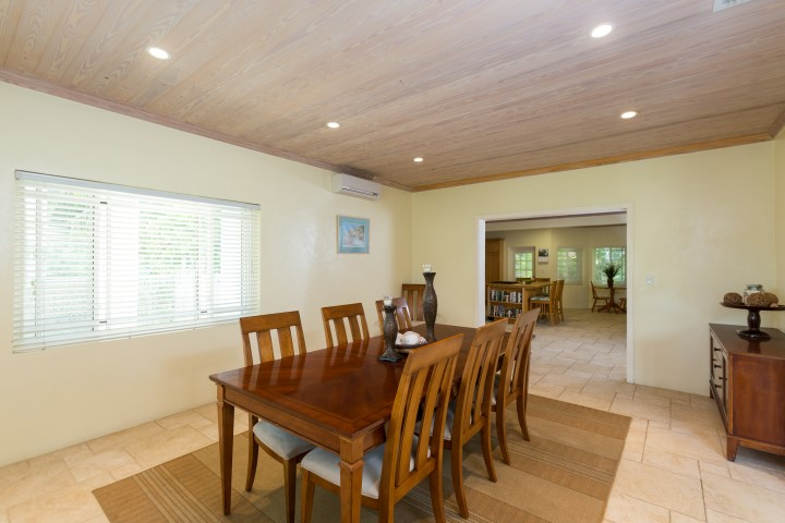 Home for sale in Harbour Island Bahamas