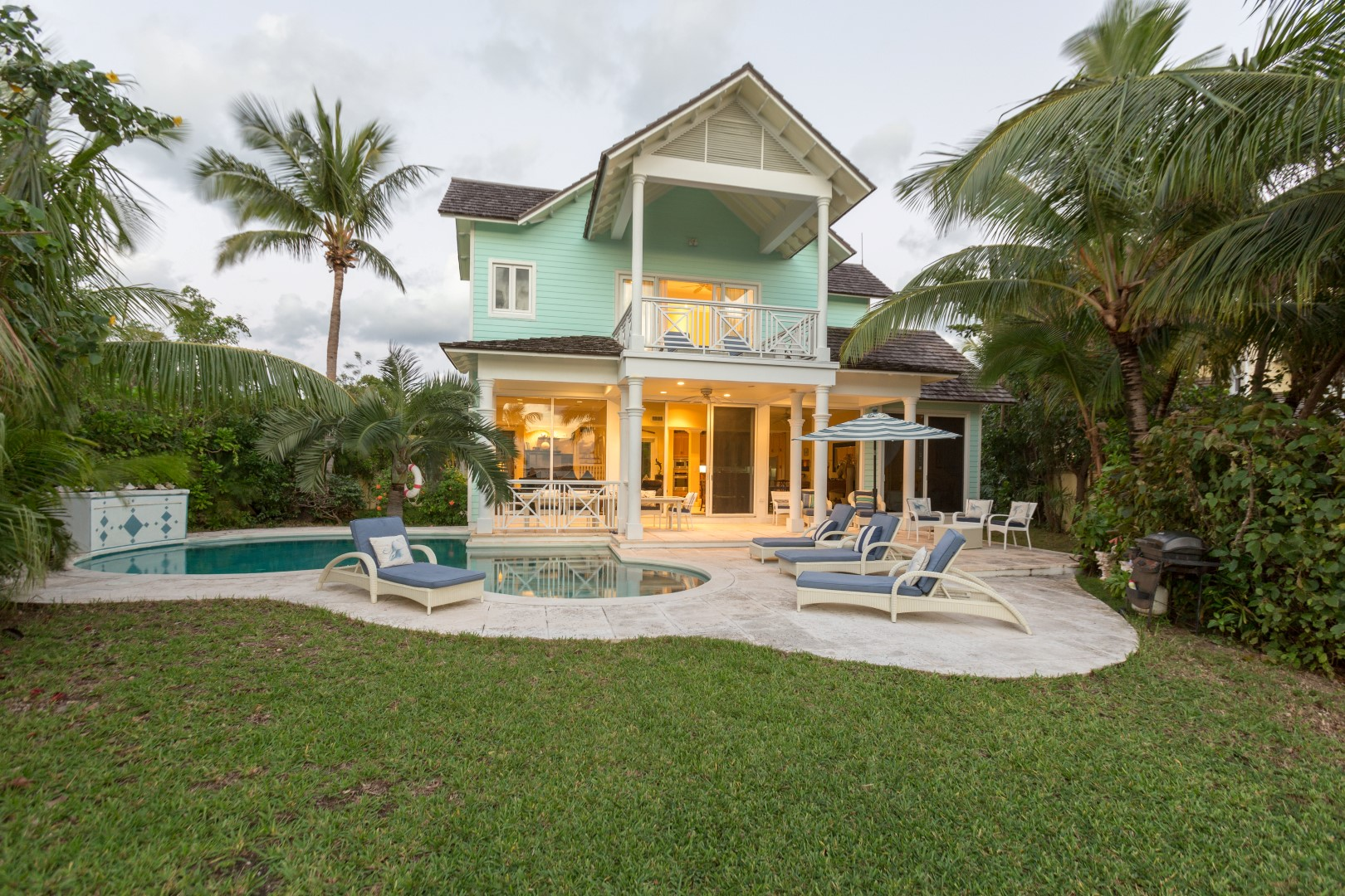 Bahamas Real Estate : Bahamas real estate on harbour island for sale id