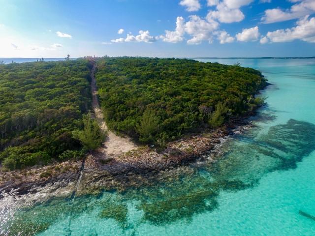 Beachfront Acreage in Harbour Island
