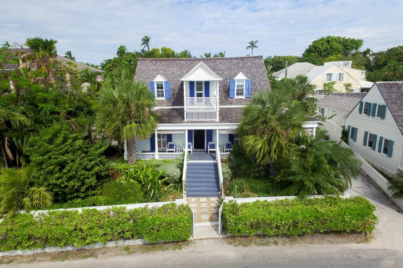 Photo of the Harbour Island Bahamas home.