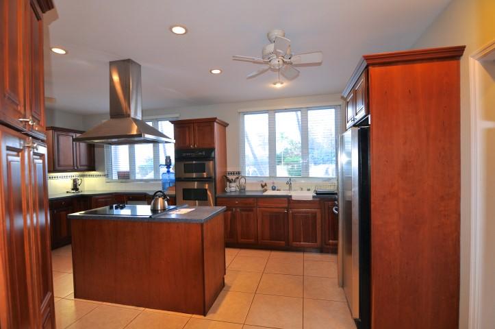 Ocean View Home for rent in nassau