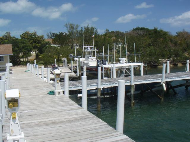 House for sale with dockage in Green Turtle Cay