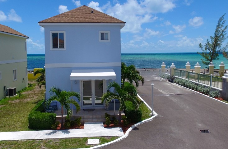 Ocean view gated home with beach access, Nassau