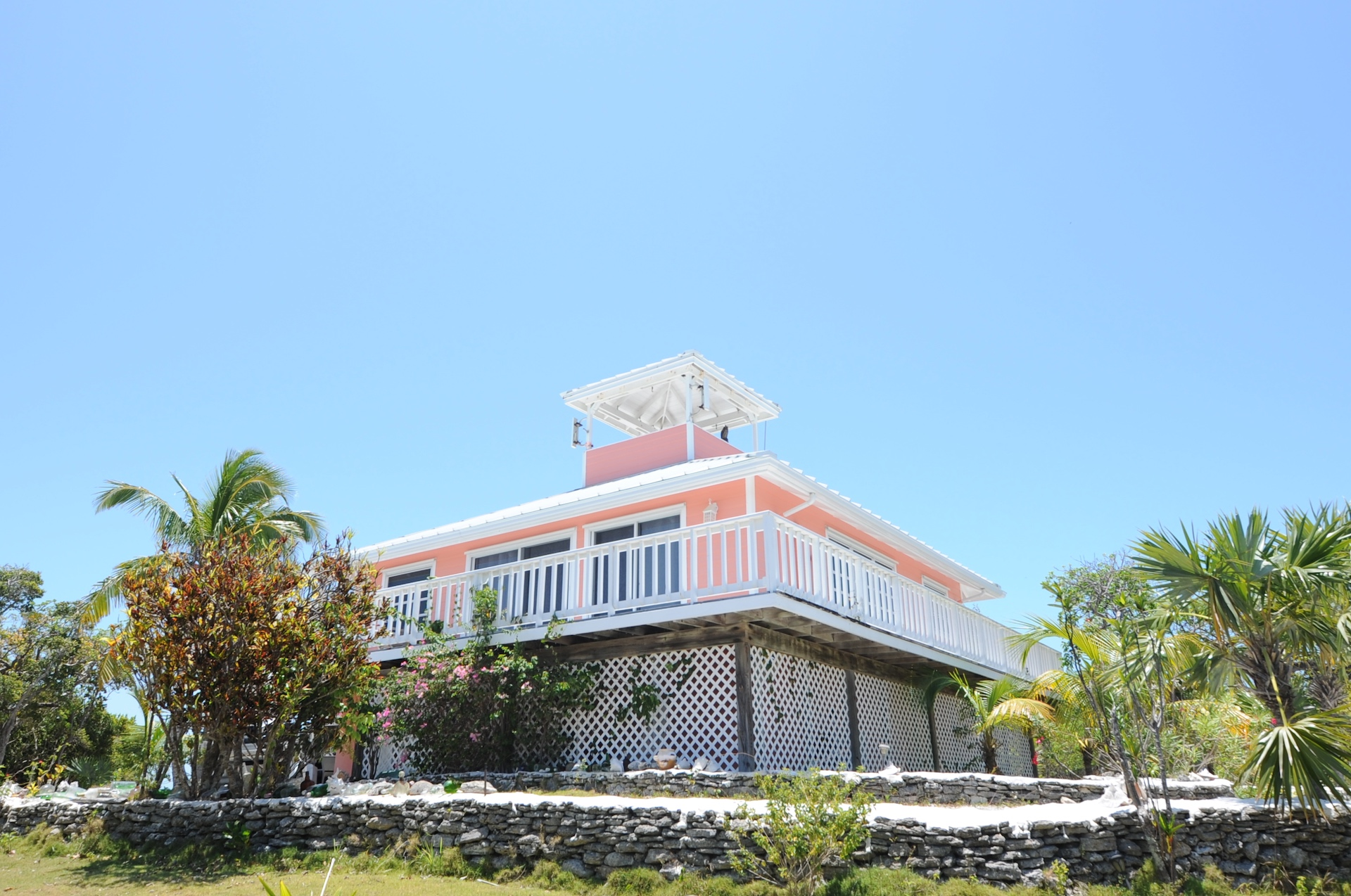/listing-single-family-bahamian-style-home-22305.html from Coldwell Banker Bahamas Real Estate