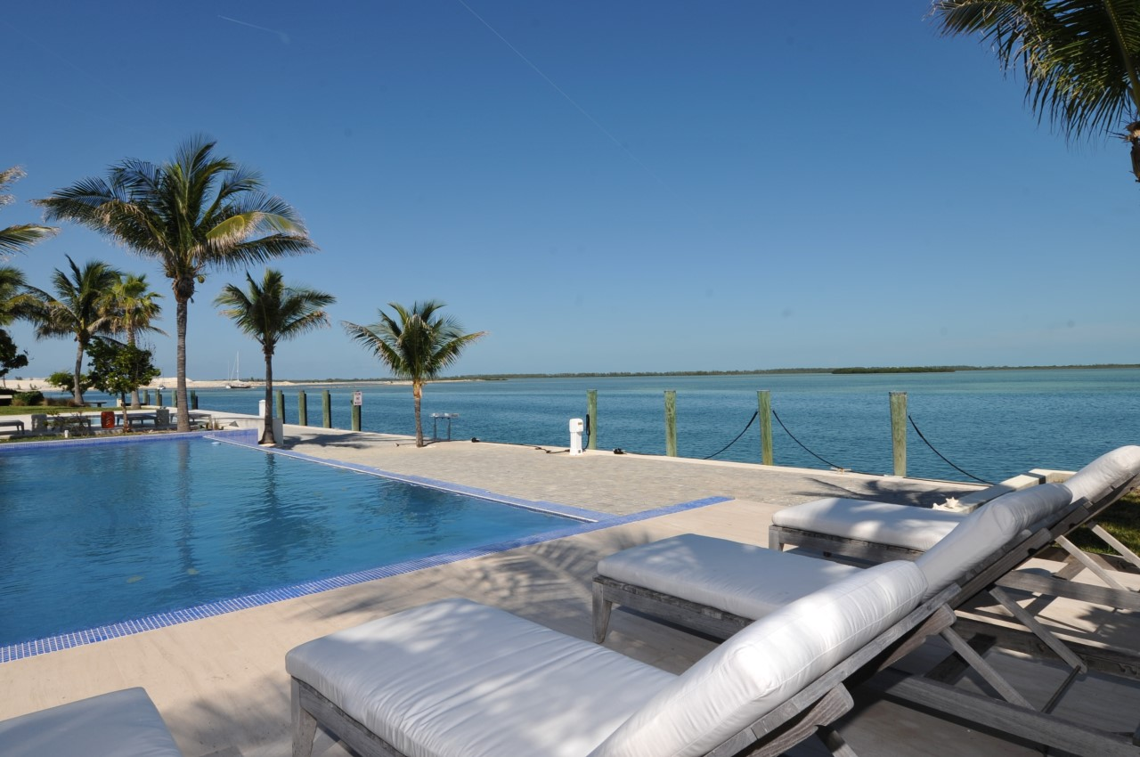 /listing-bimini-bay-house-61400-with-infinity-pool-25018.html from Coldwell Banker Bahamas Real Estate
