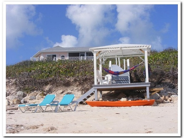 /listing-island-dreams-beachouse-long-island-25452.html from Coldwell Banker Bahamas Real Estate