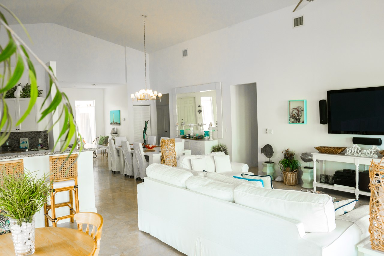 Waterfront Home For Sale in Bimini Bahamas