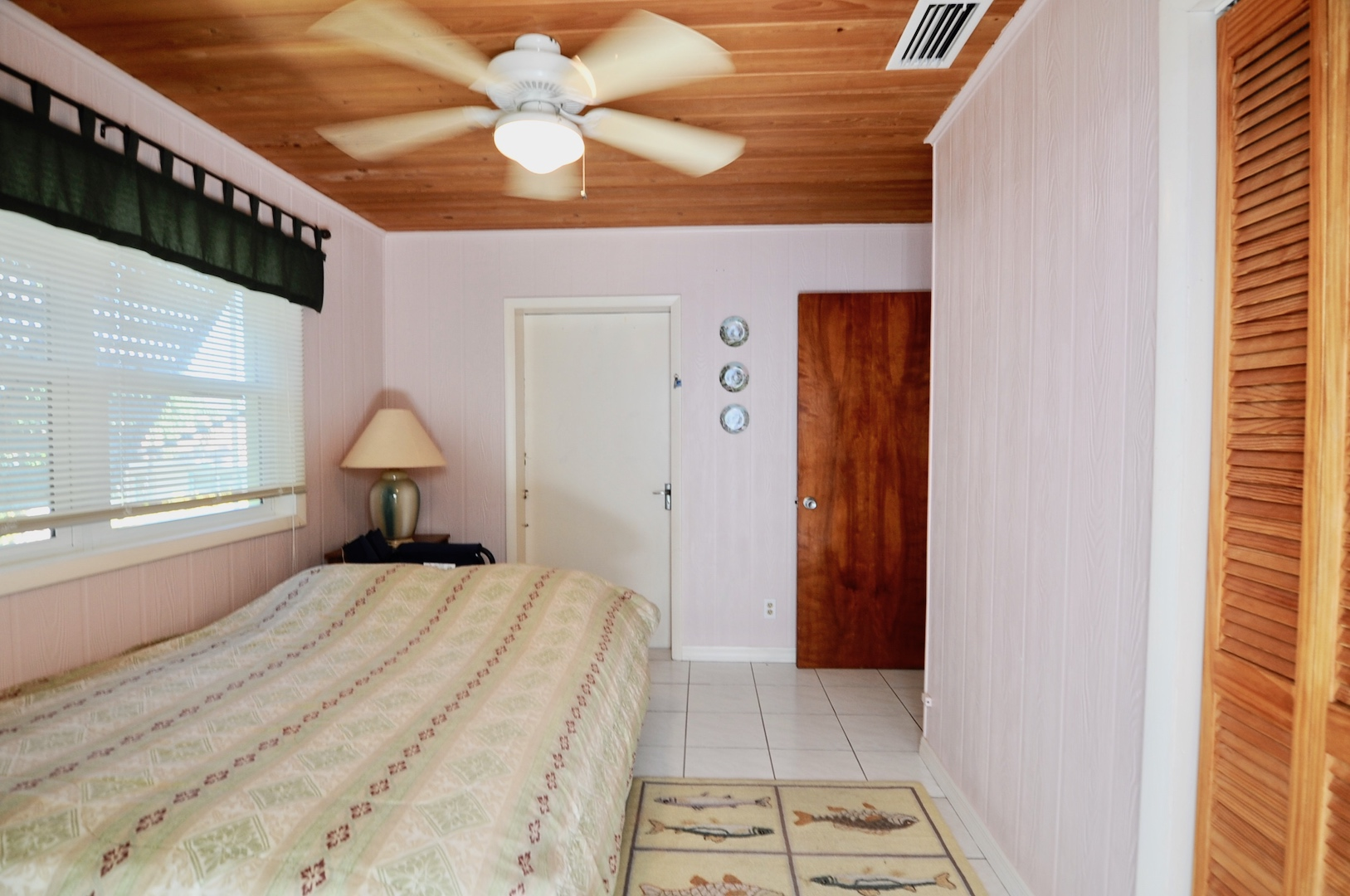home for sale in Man-O-War Cay Abaco Bahamas with bonus room