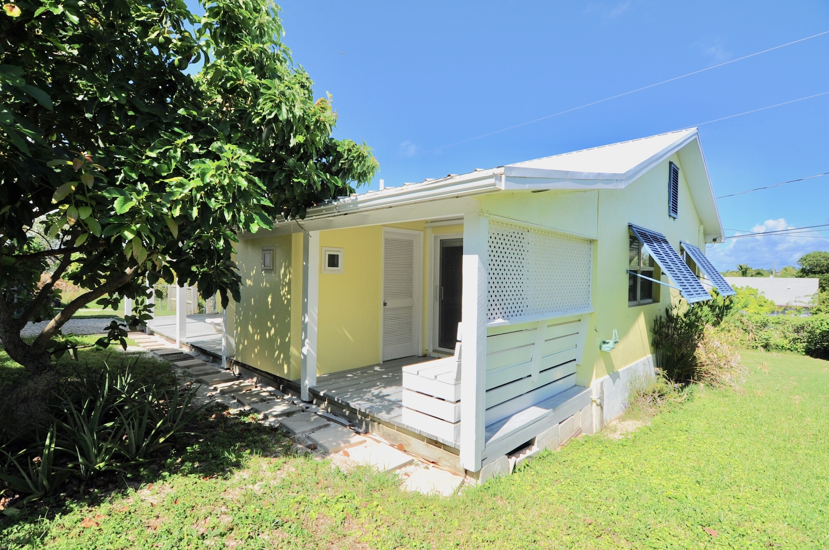 Home for sale in Man-o-War cay Abaco just minutes from the Atlantic Ocean