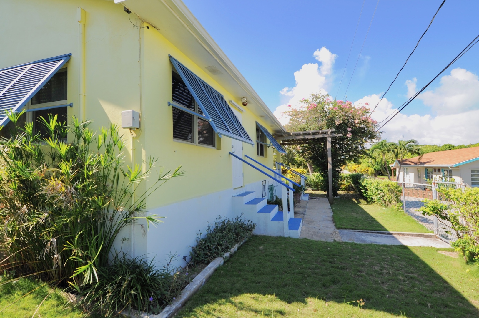 Home for sale in Man-o-War Cay Abaco Bahamas