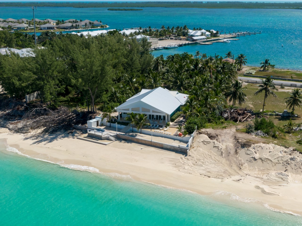 Beachfront Home in Bimini For Sale