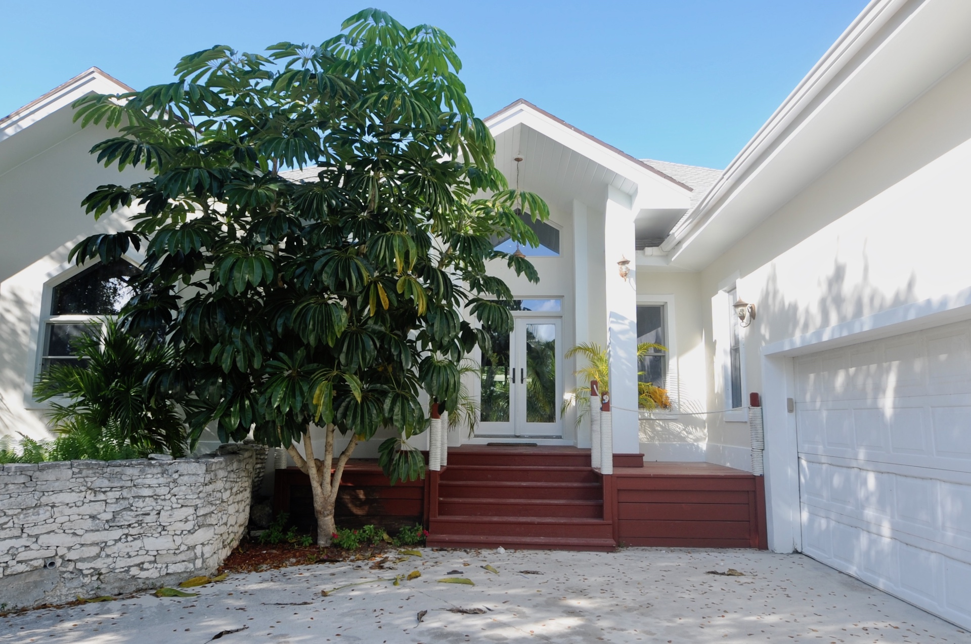 /listing-single-family-bahamian-style-home-27511.html from Coldwell Banker Bahamas Real Estate