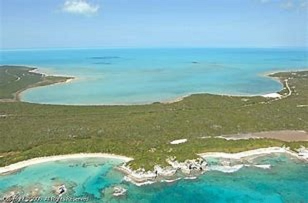 /listing-beautiful-beach-front-cove-27512.html from Coldwell Banker Bahamas Real Estate