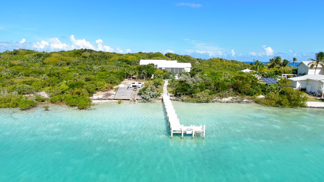 Warterfront Home for sale in Exuma
