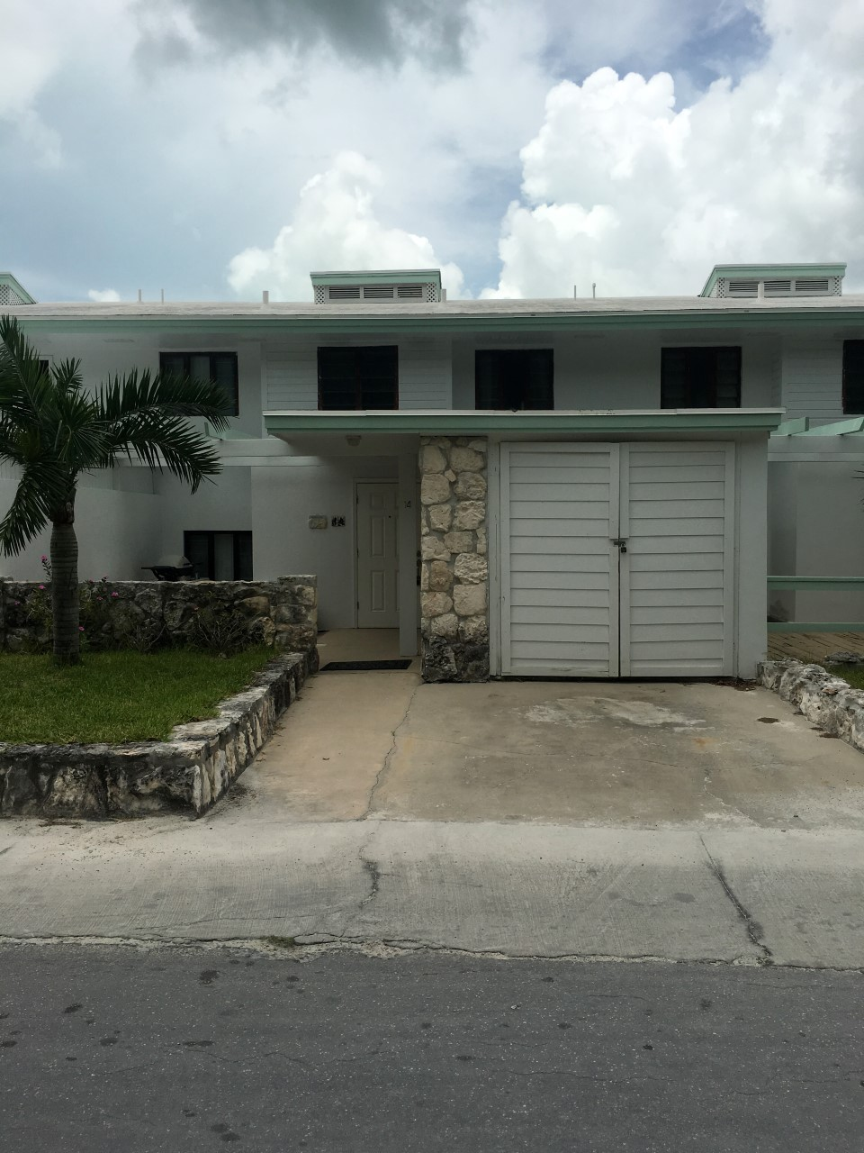 /listing-pirates-way-townhouse-28009.html from Coldwell Banker Bahamas Real Estate
