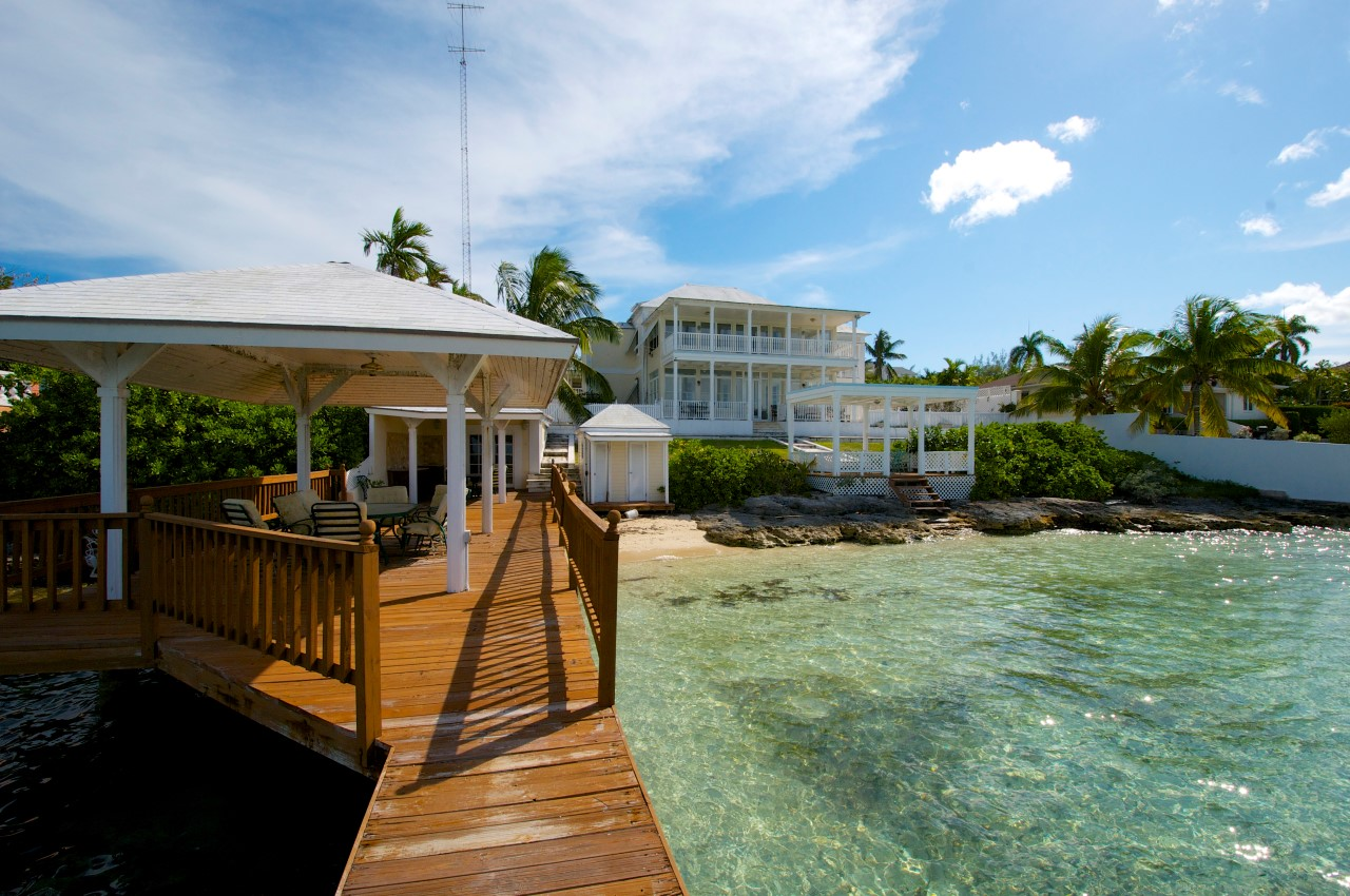 /listing-nassau-waterfront-home-29623.html from Coldwell Banker Bahamas Real Estate