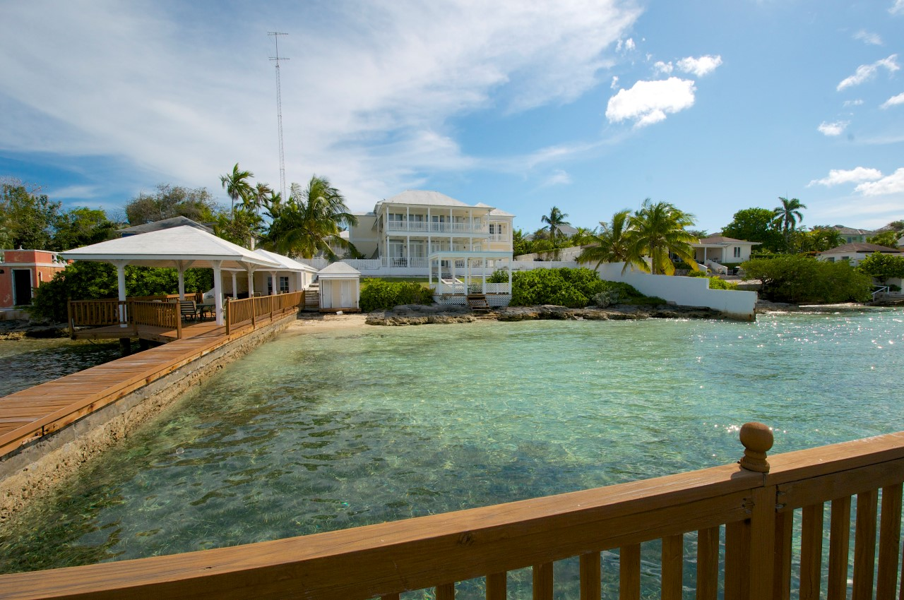 Home With Beach Frontage in Nassau