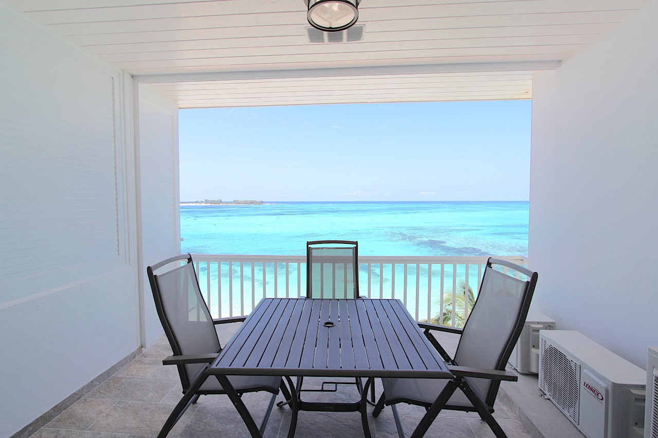 30B Carefree, Cable Beach