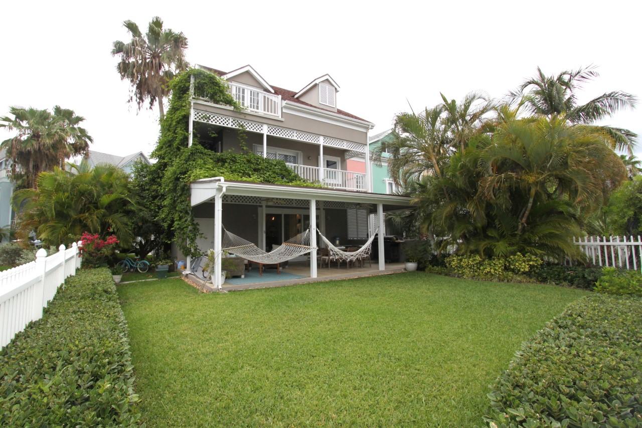 /listing-rented-sandyport-drive-sandyport-30743.html from Coldwell Banker Bahamas Real Estate