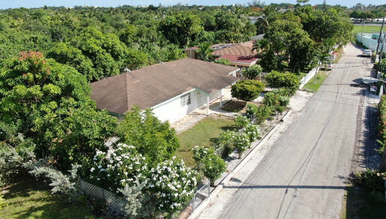 /listing-lignum-vitae-house-blair-30878.html from Coldwell Banker Bahamas Real Estate
