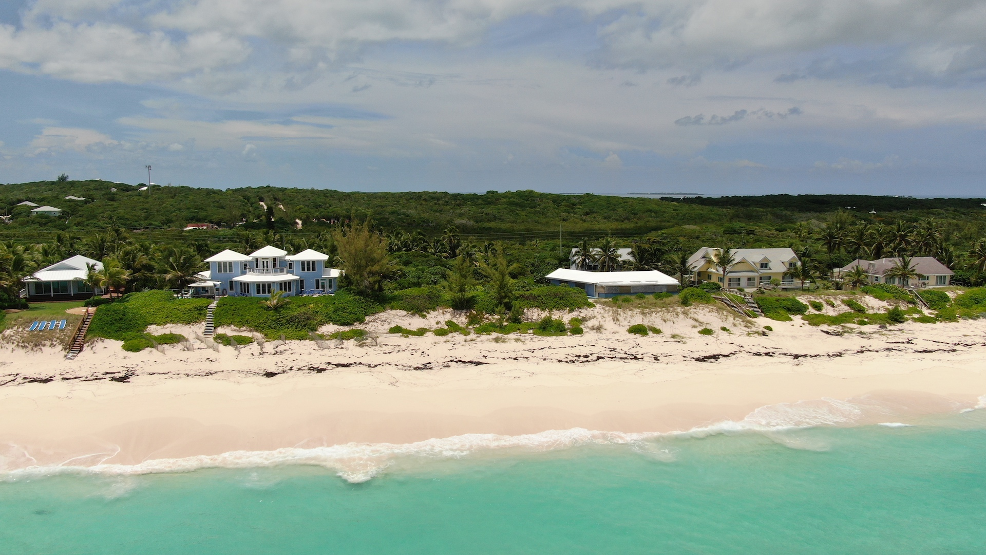 /listing-multi-family-beachfront-acreage-30994.html from Coldwell Banker Bahamas Real Estate