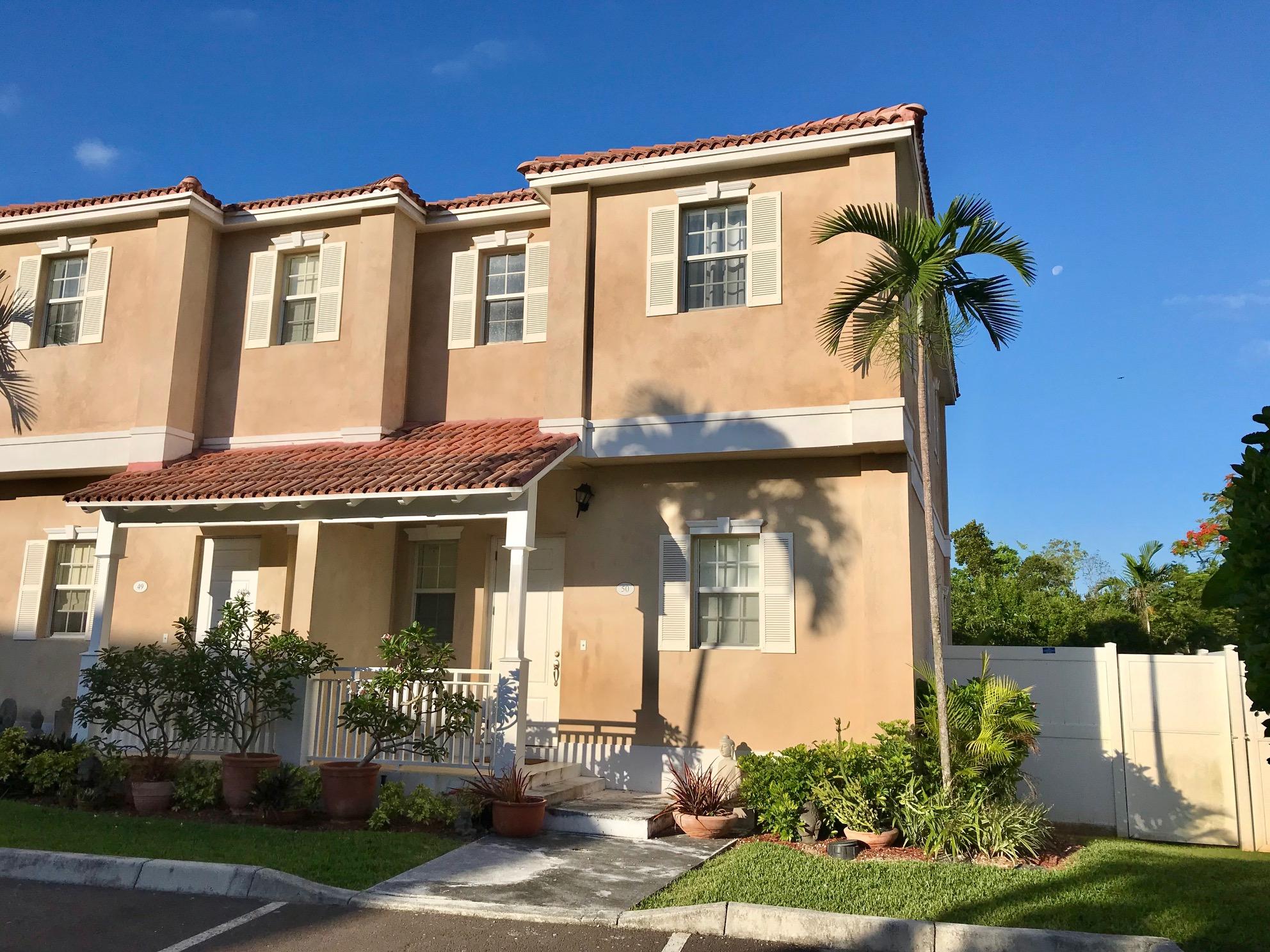 /listing-pending-balmoral-sandford-drive-31309.html from Coldwell Banker Bahamas Real Estate