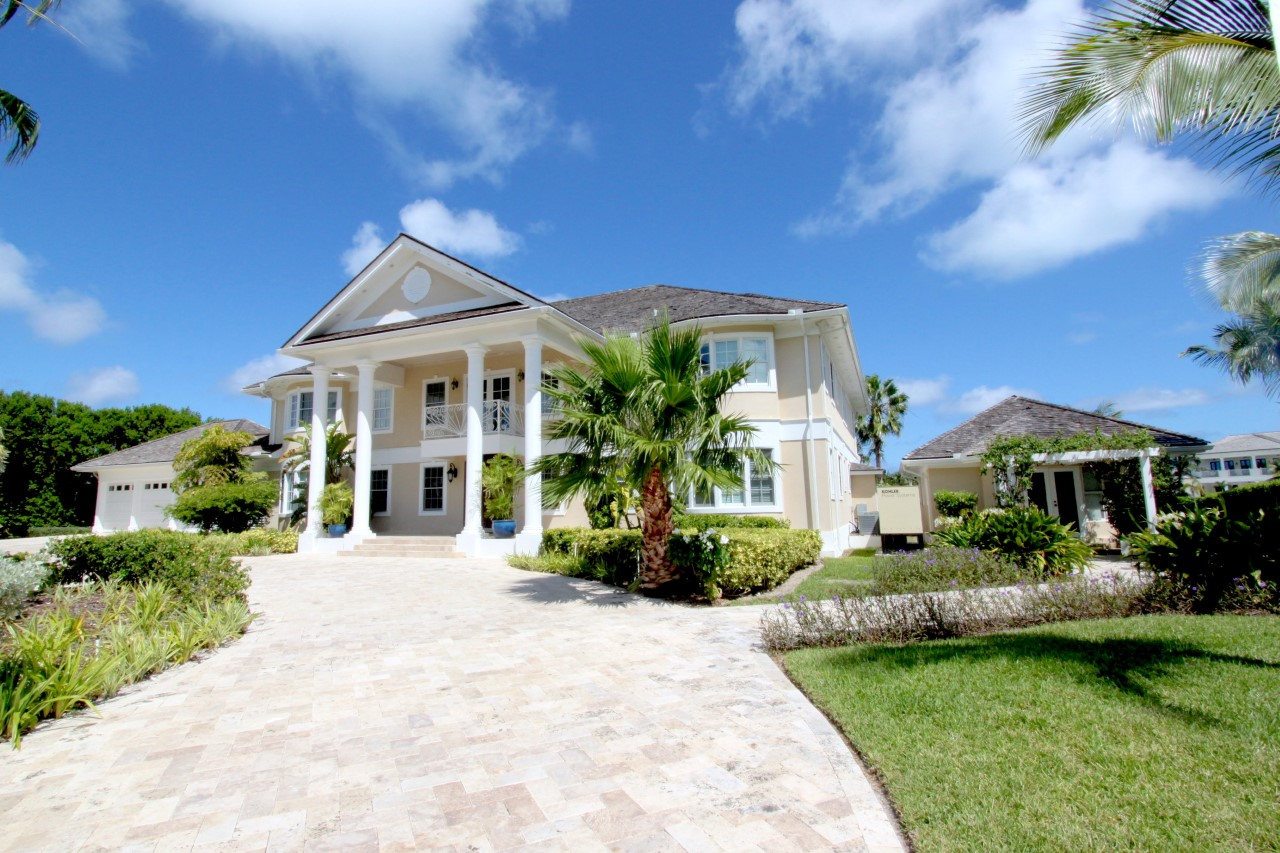/listing-52-ocean-club-estates-31498.html from Coldwell Banker Bahamas Real Estate