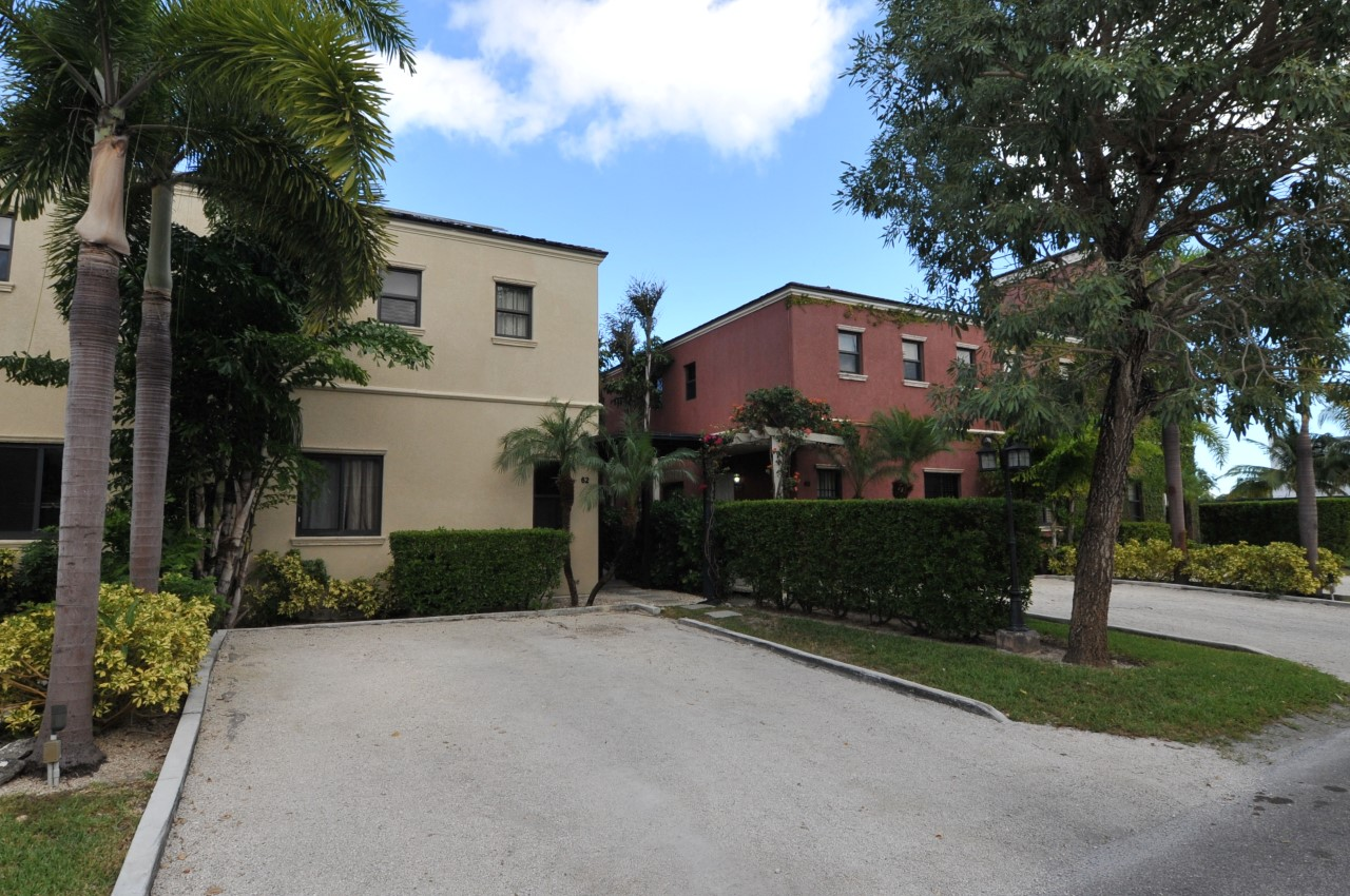 /listing-rented-charlottleville-61-turnberry-townhouse-31741.html from Coldwell Banker Bahamas Real Estate