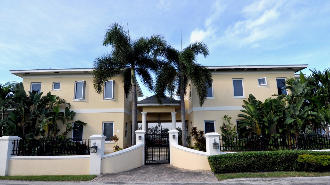 /listing-rented-ocean-parc-place-rental-31764.html from Coldwell Banker Bahamas Real Estate
