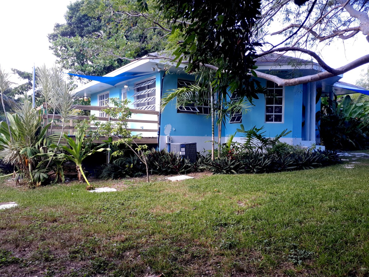 /listing-11-hillview-close-westridge-32094.html from Coldwell Banker Bahamas Real Estate