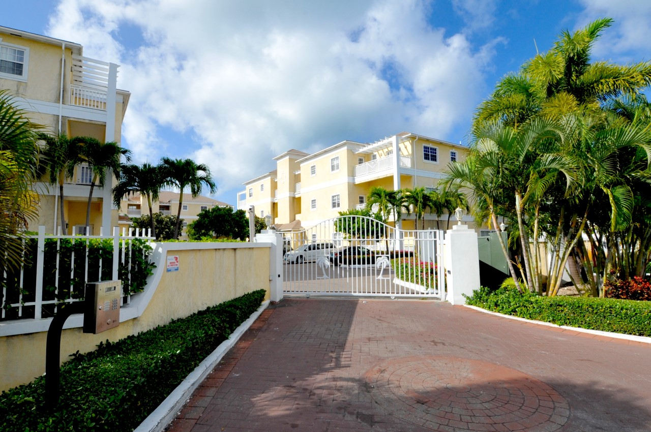 /listing-rented-atlantic-drive-westridge-32095.html from Coldwell Banker Bahamas Real Estate
