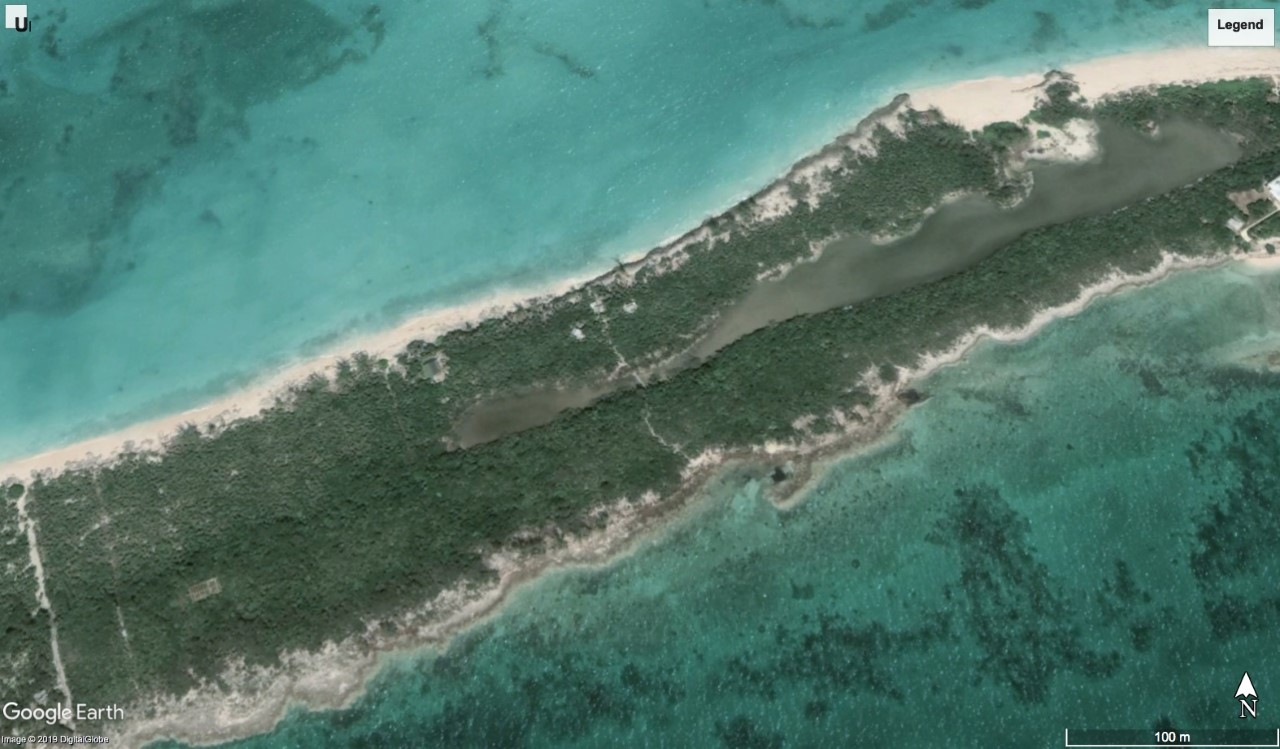 Bahamas beachfront property for sale in Rose Island