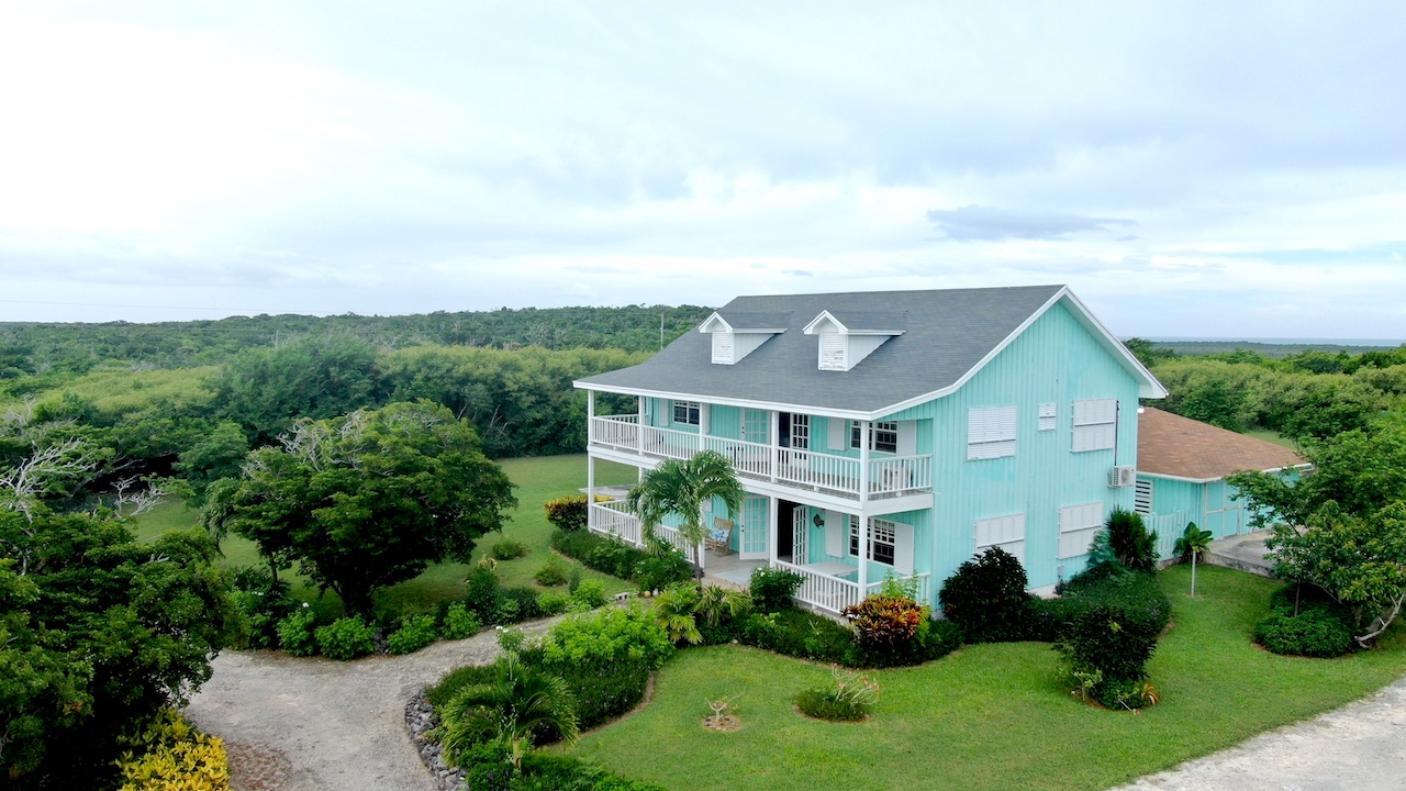 /listing-large-house-with-ocean-views-in-long-island-32555.html from Coldwell Banker Bahamas Real Estate