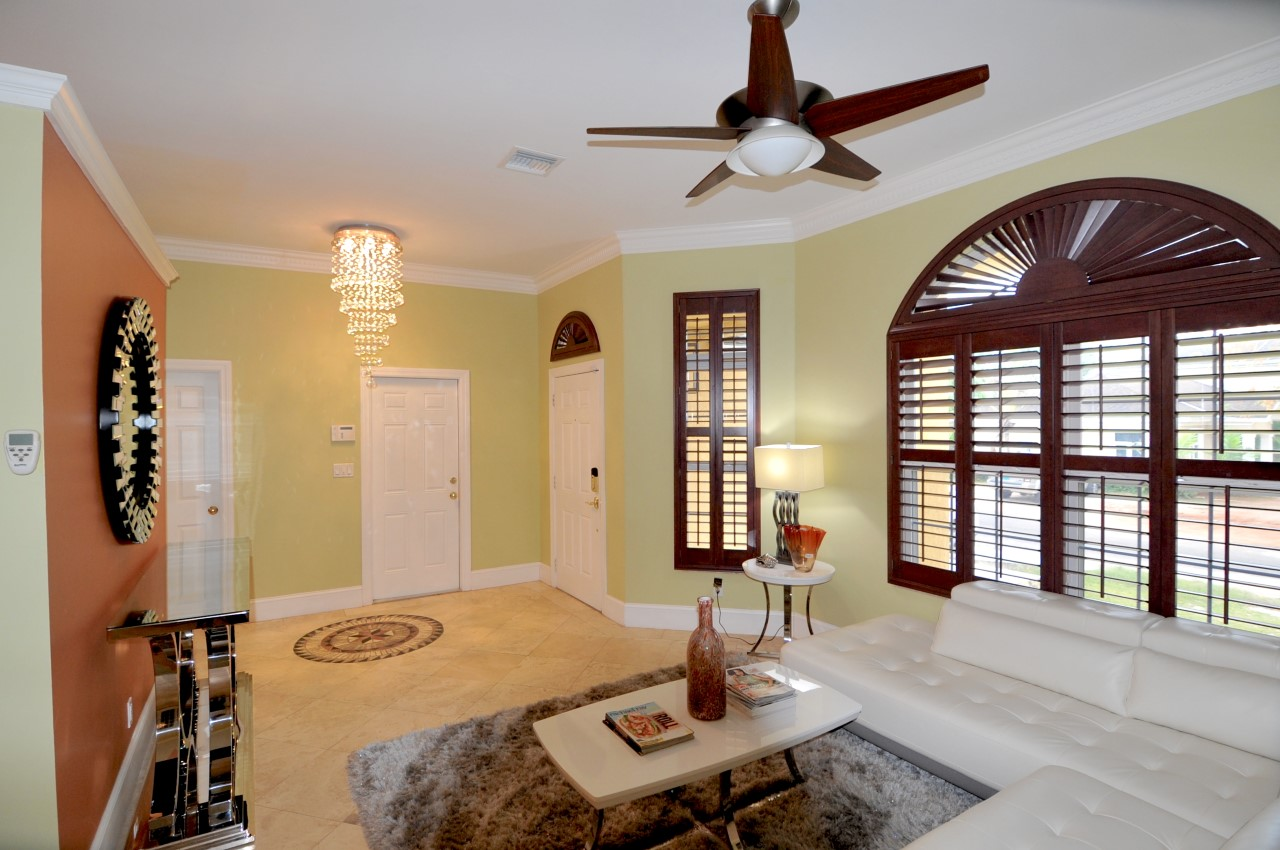 /listing-rented-high-point-estates-rental-33065.html from Coldwell Banker Bahamas Real Estate