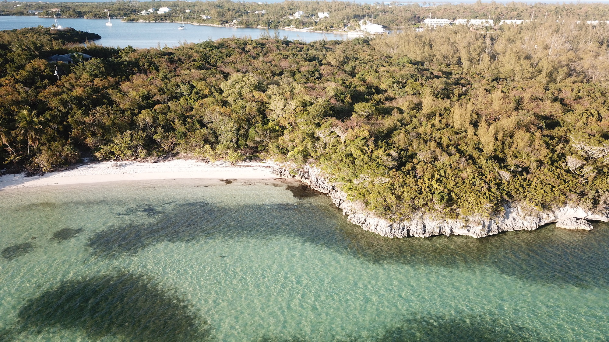 Beachfront-lot-Berry-Islands