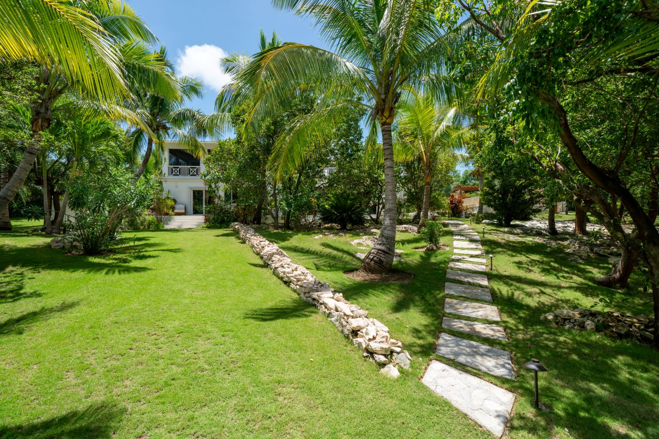 Beachfront Home in Eleuthera for Sale