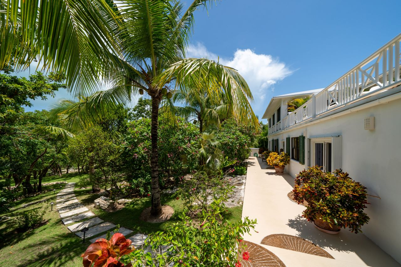 Luxury Home in The Bahamas For Sale